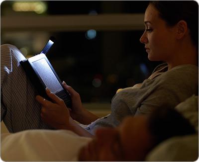 Accesorios funda iluminada para Kindle 3 españa